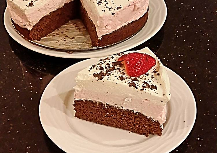 Strawberry Cheesecake Layer Cake