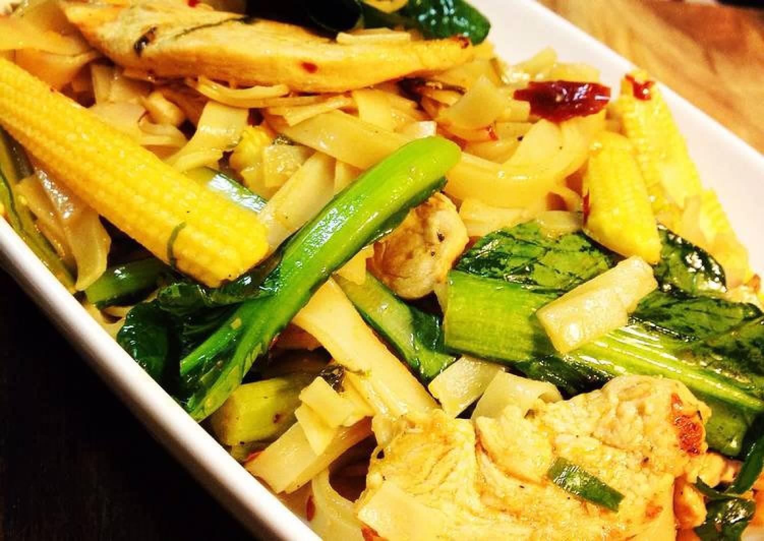 Drunken Noodles (Chicken Pad Kee Mao)