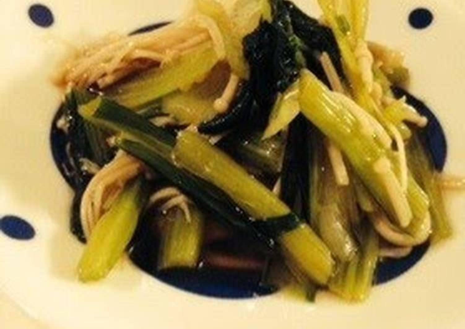 Just 5 Minutes! Seasoned and Blanched Komatsuna Greens & Enoki Mushrooms