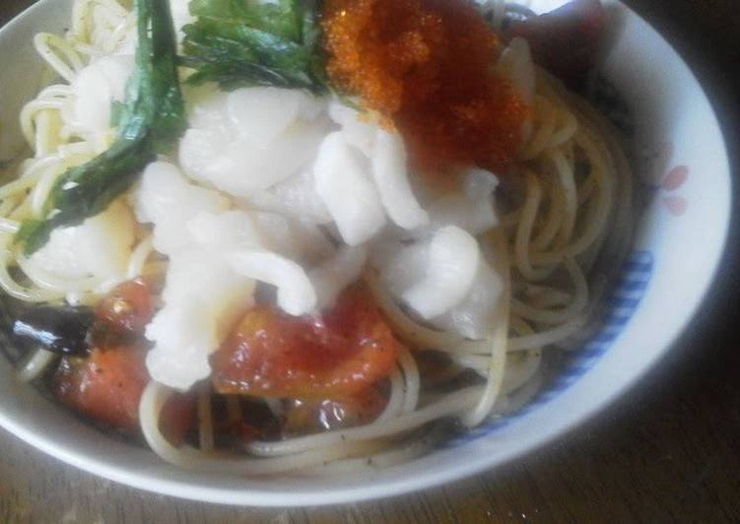 Chilled Pasta with Scallops and Tomatoes
