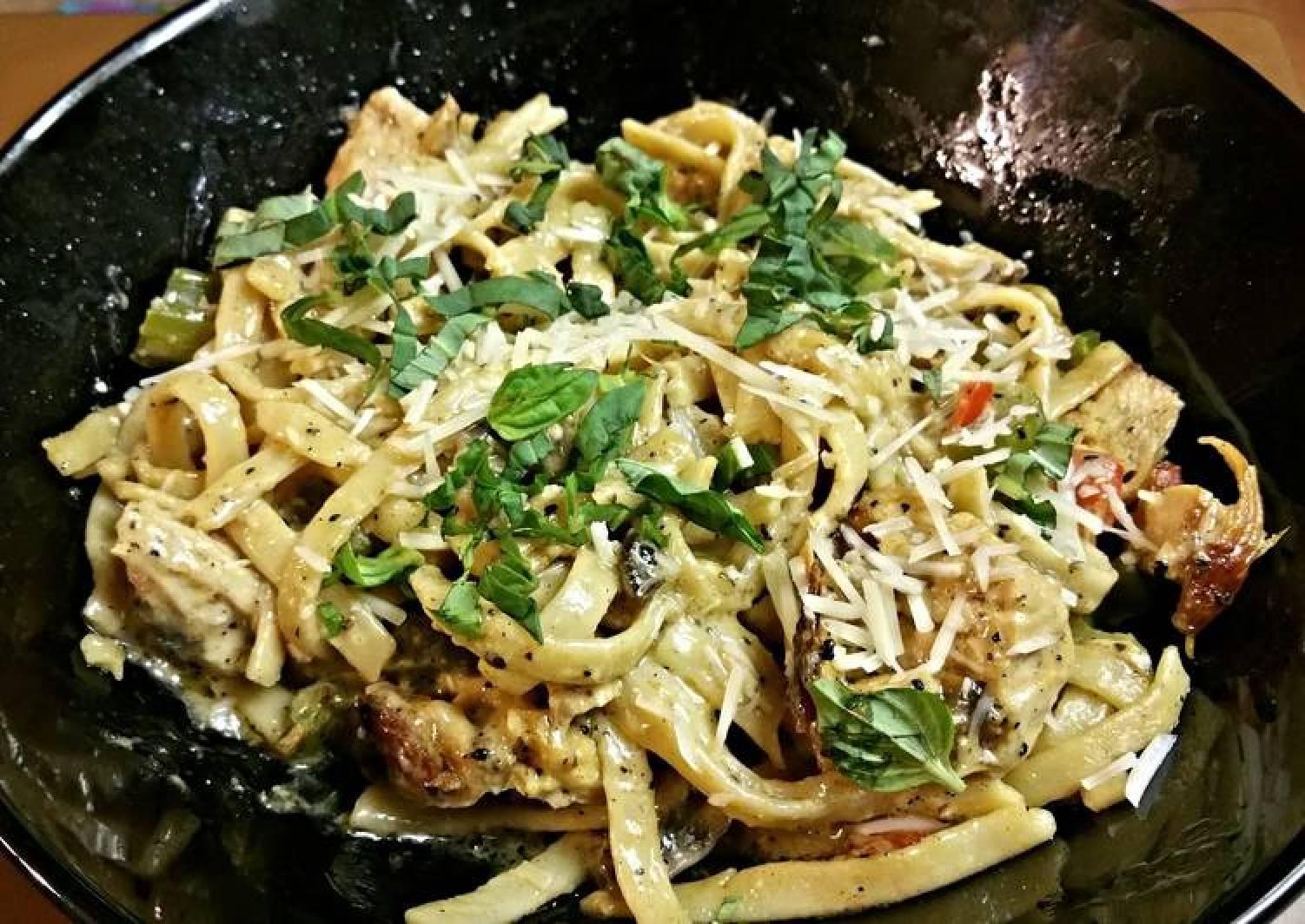 Chicken Fettuccine Alfredo with Vegetables
