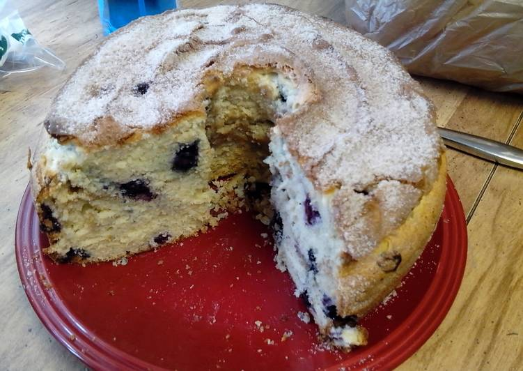 Sour cream and blueberry coffee cake