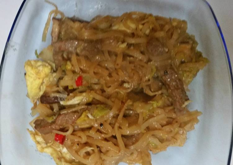 Beef Fried Noodles Thai style