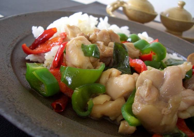 Stir-fried Chicken with Basil