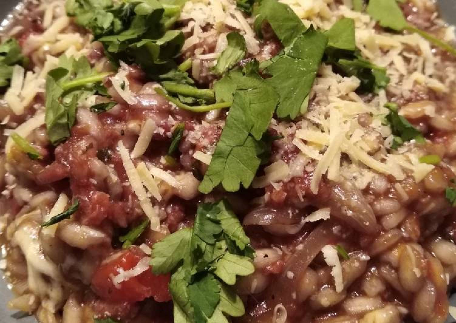Red risotto with chorizo (or fake bacon)