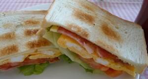 Everyones Favorite BLT Sandwich
