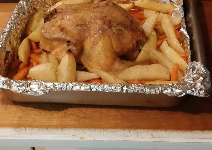 Easiest Way to Prepare Ultimate Roasted chicken with carrots and potatoes