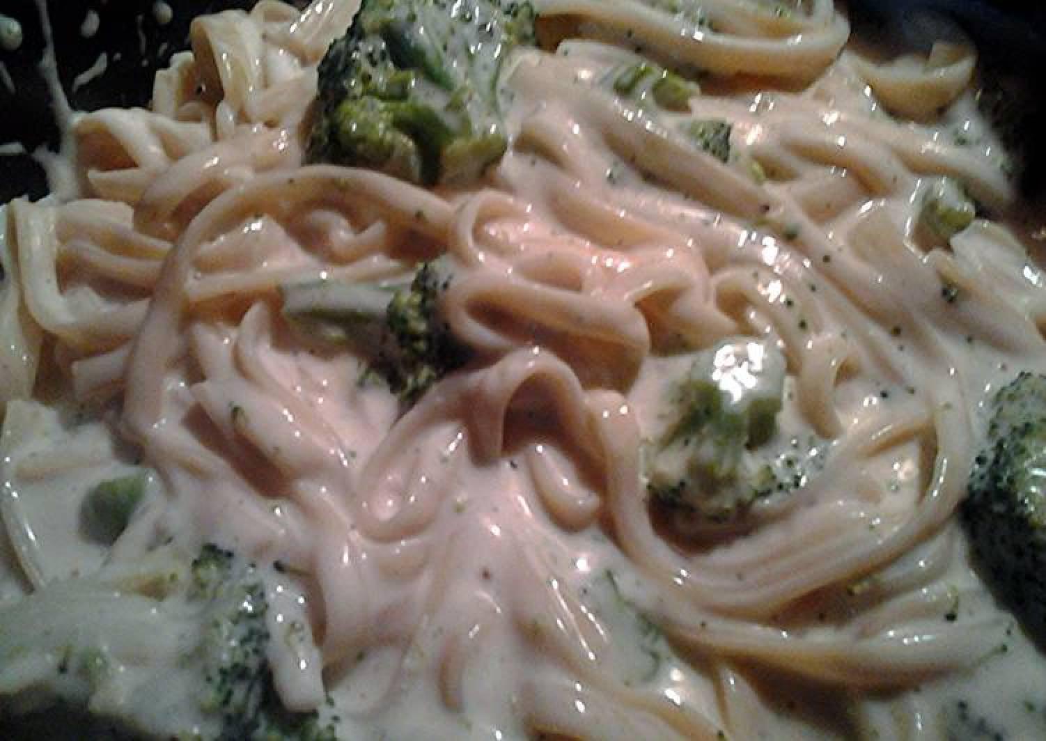 fettuccine broccoli Alfredo