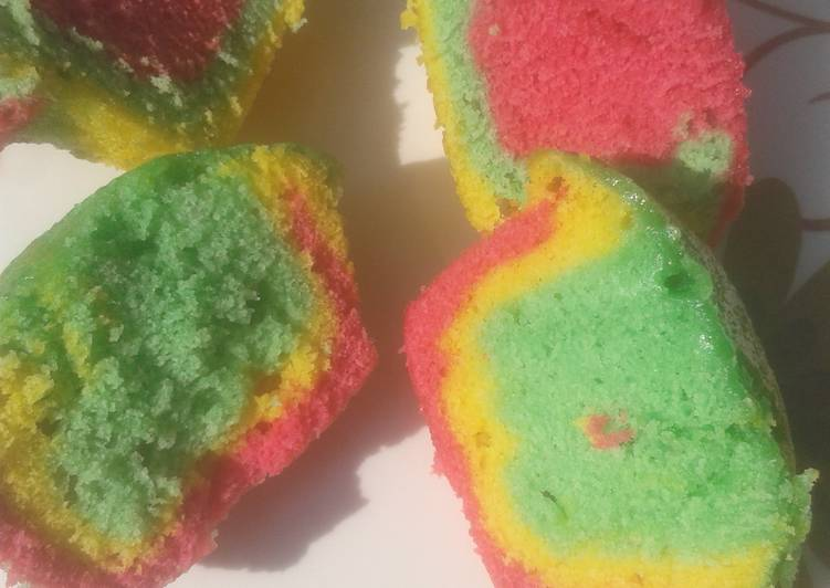 How to Make Quick Rainbow cupcakes