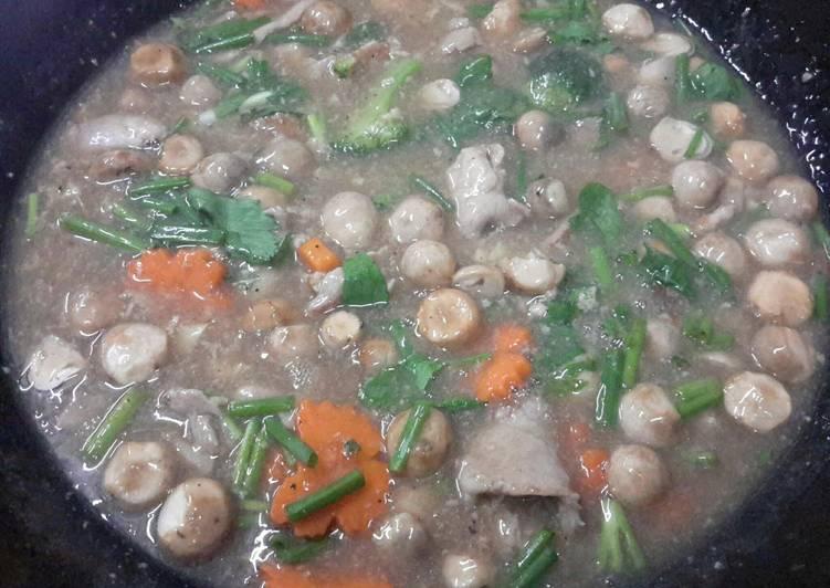 Lard Na Noodles with Pork
