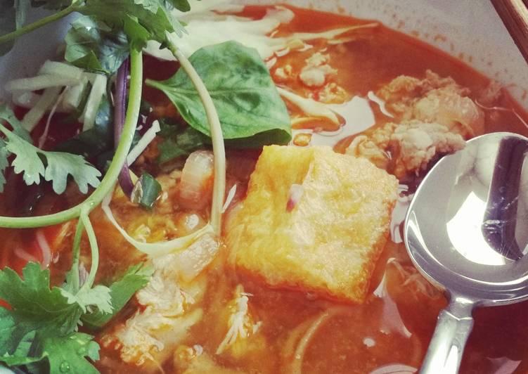 Quick Bun Rieu Crab Meat Ball Noodle Soup