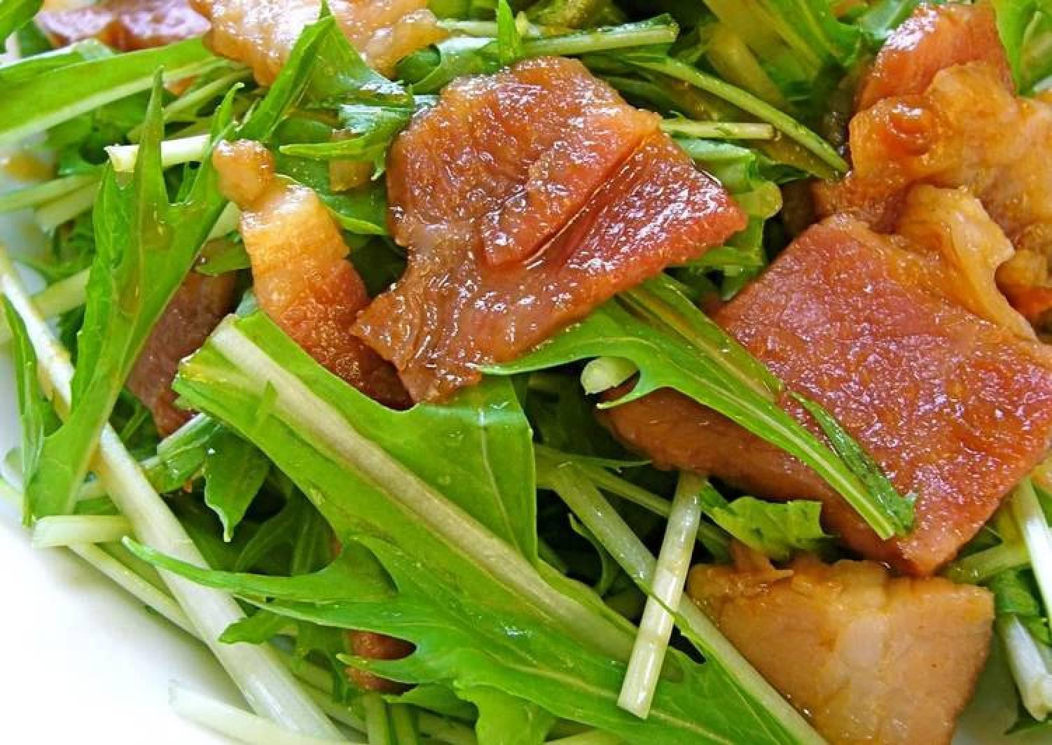Easy with Yakiniku Sauce, Mizuna and Bacon Salad