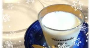 Smooth and Rich Milk Pudding Made with Kanten