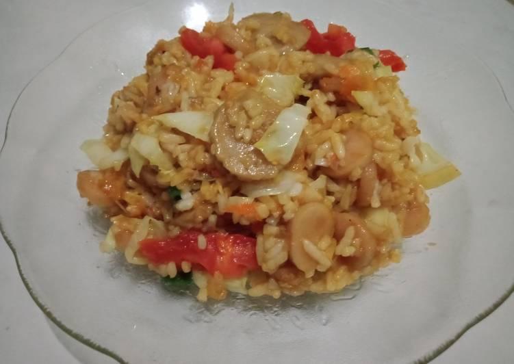 Nasi goreng sosis bakso pedas simple