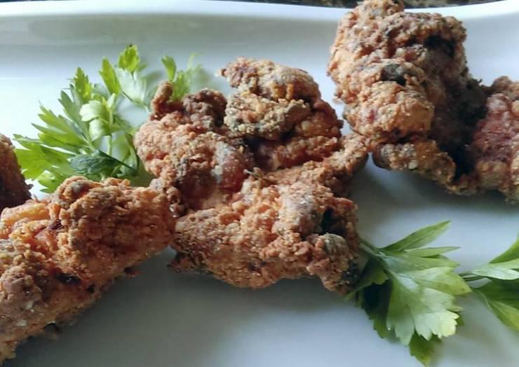 Super Juicy Super Crispy Fried Chicken Thighs