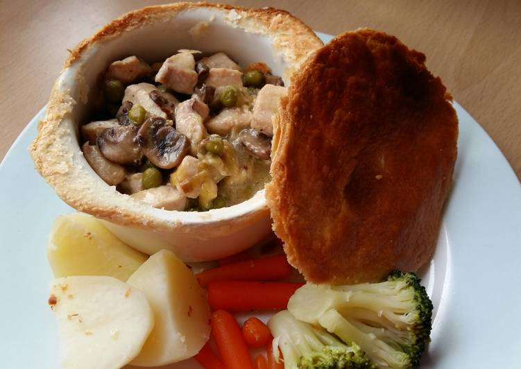 Vickys Chicken Leek  Mushroom Pot Pies GF DF EF SF NF