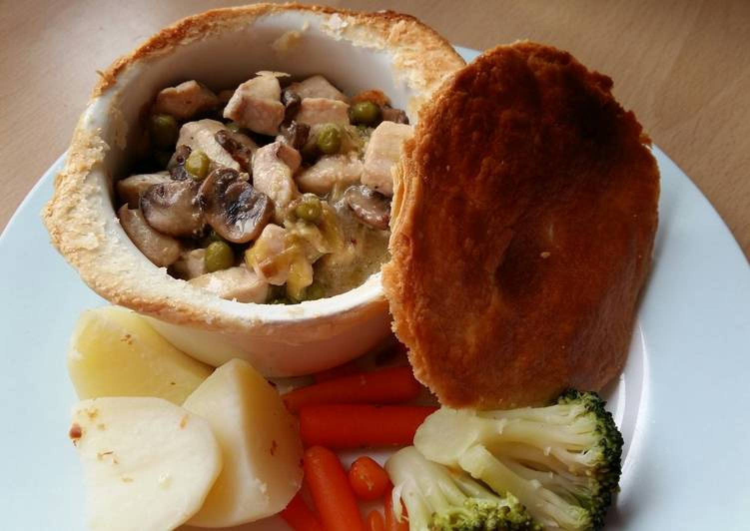 Vickys Chicken, Leek & Mushroom Pot Pies GF DF EF SF NF