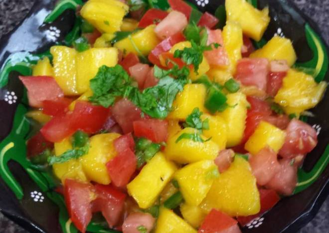 😏Easy Peasy  Mango Salsa