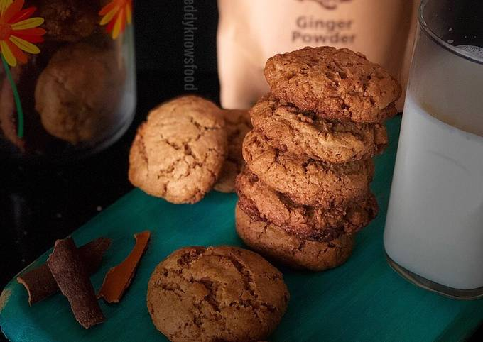 Vegan Gingerbread Cookies-delicious & guilt-free