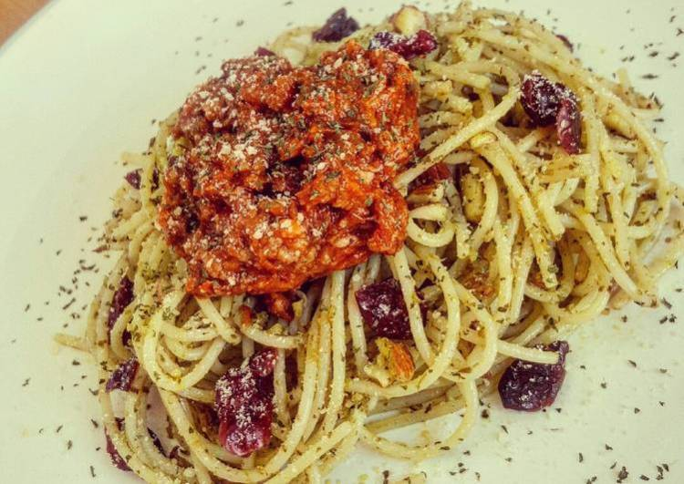 Pesto Cranberries Almond Spaghetti with Bolognese on Top