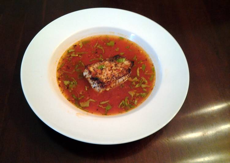 Fish Fillets in spicy Tomato Broth
