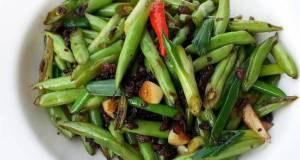 Green Bean With Chinese Smoked Sausage