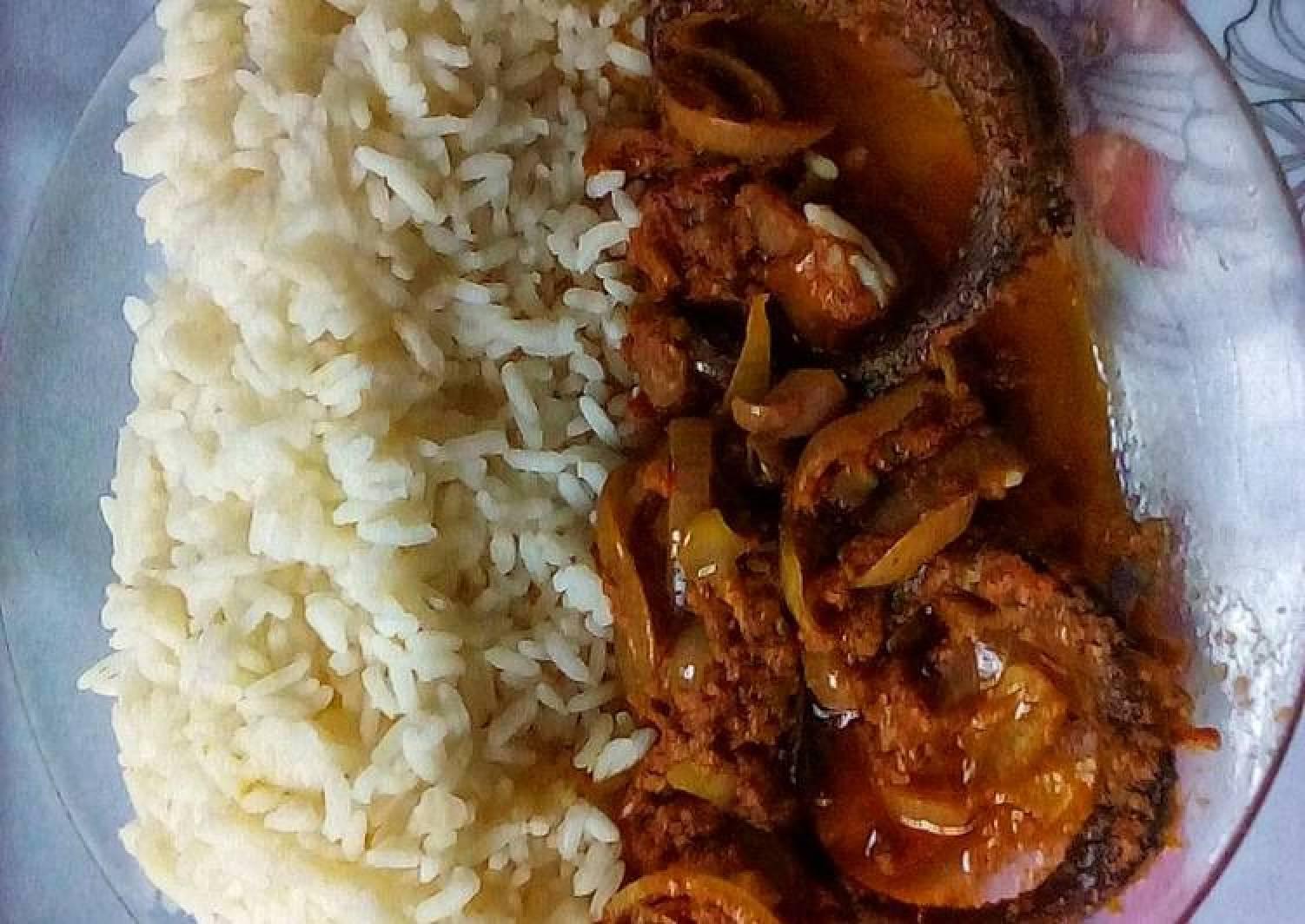 Smoked Dried Mackerel Fish Gravy and White Rice