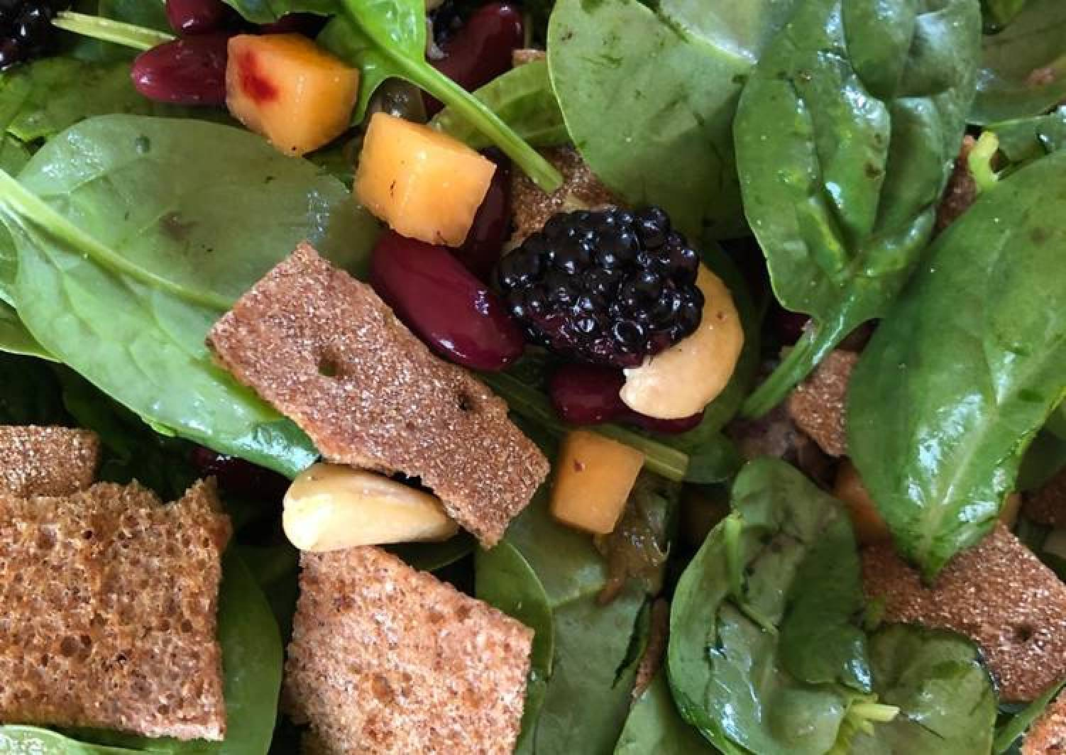 Baby Spinach, Blackberry and Tuna Salad