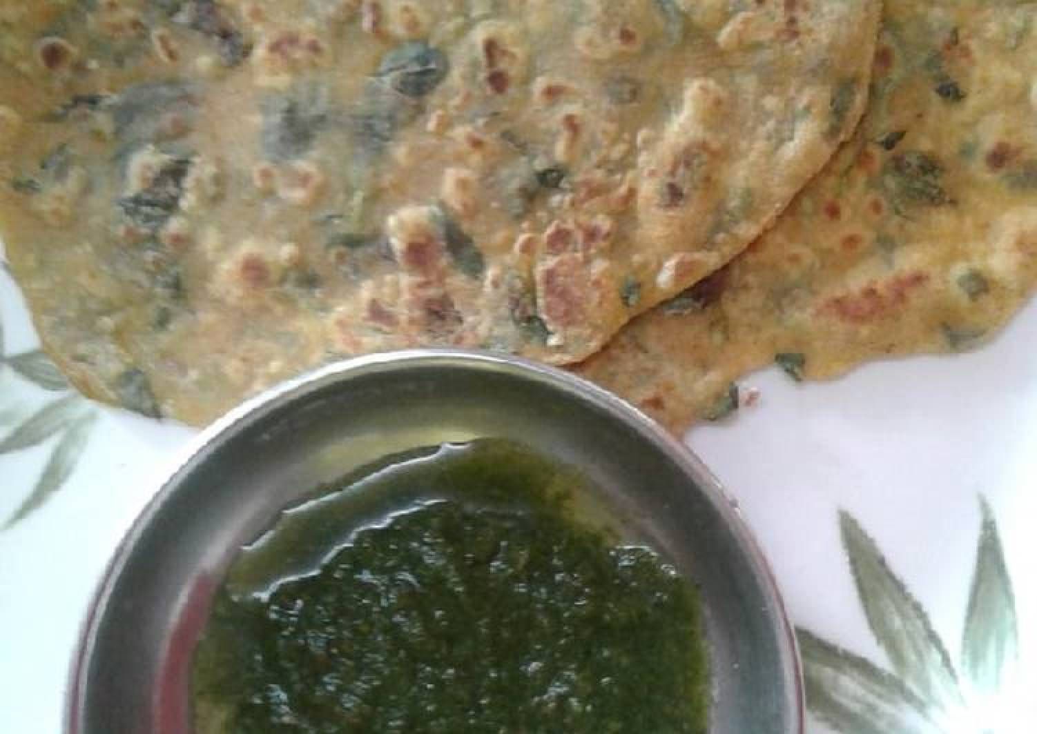 Methi paratha/ fenugreek paratha