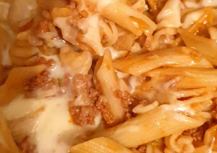 Cheesy penne pasta