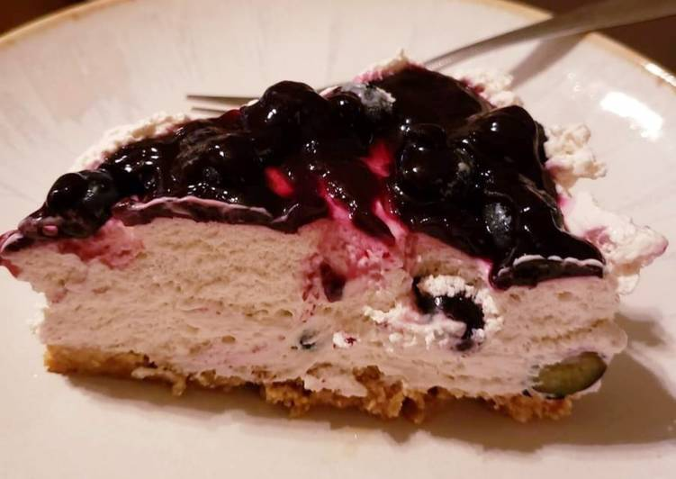 Southern Icelandic Blueberry Skyr Cake