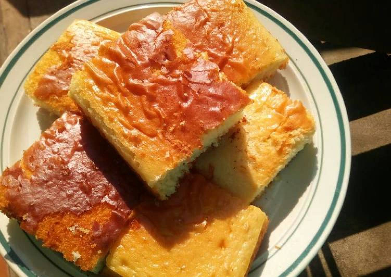 Squares sponge cakes