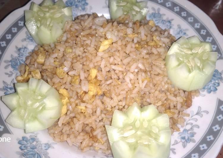 15. Nasi Goreng Telur (Bahan Simpel)