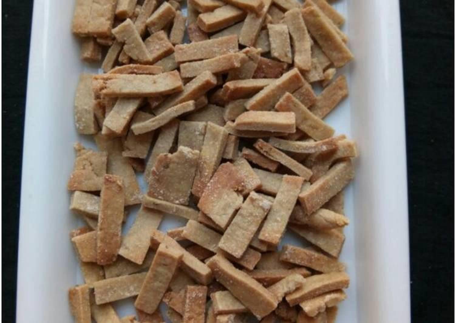 Baked wheat flour namakpare
