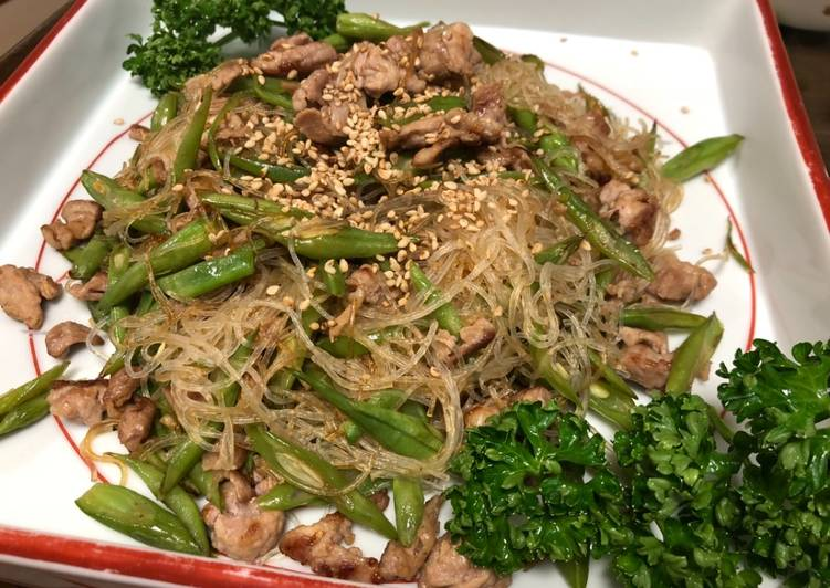 Harusame Chinese Starch Noodle with pork and green bean