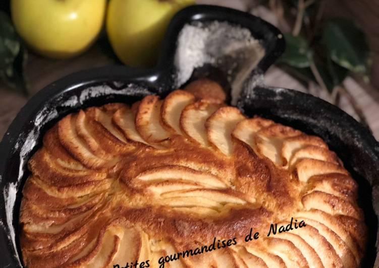 Gâteau aux pommes et mascarpone dans un moule original 😊😊😊