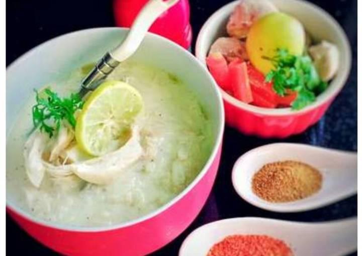 Lemony chicken and rice soup(Avgolemono)