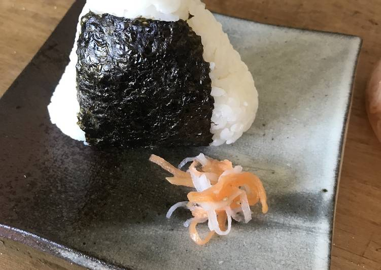Easy and Clean Rice Ball (Onigiri)