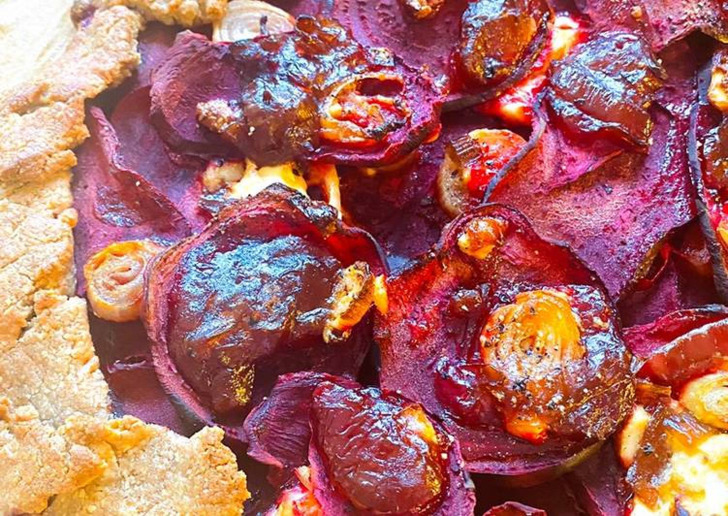 Beetroot,feta & caramelised onion tart😋😋😋
