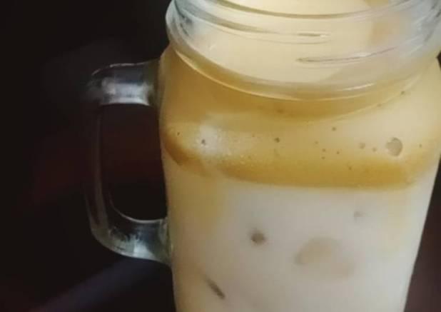 Dalgona coffe