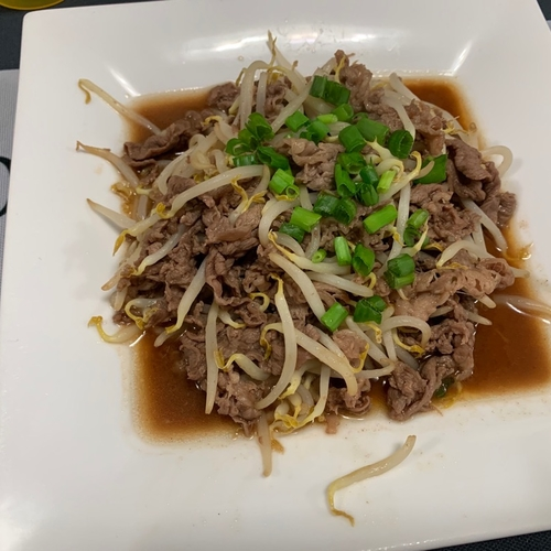 Stir-Fried Beef & Bean sprout