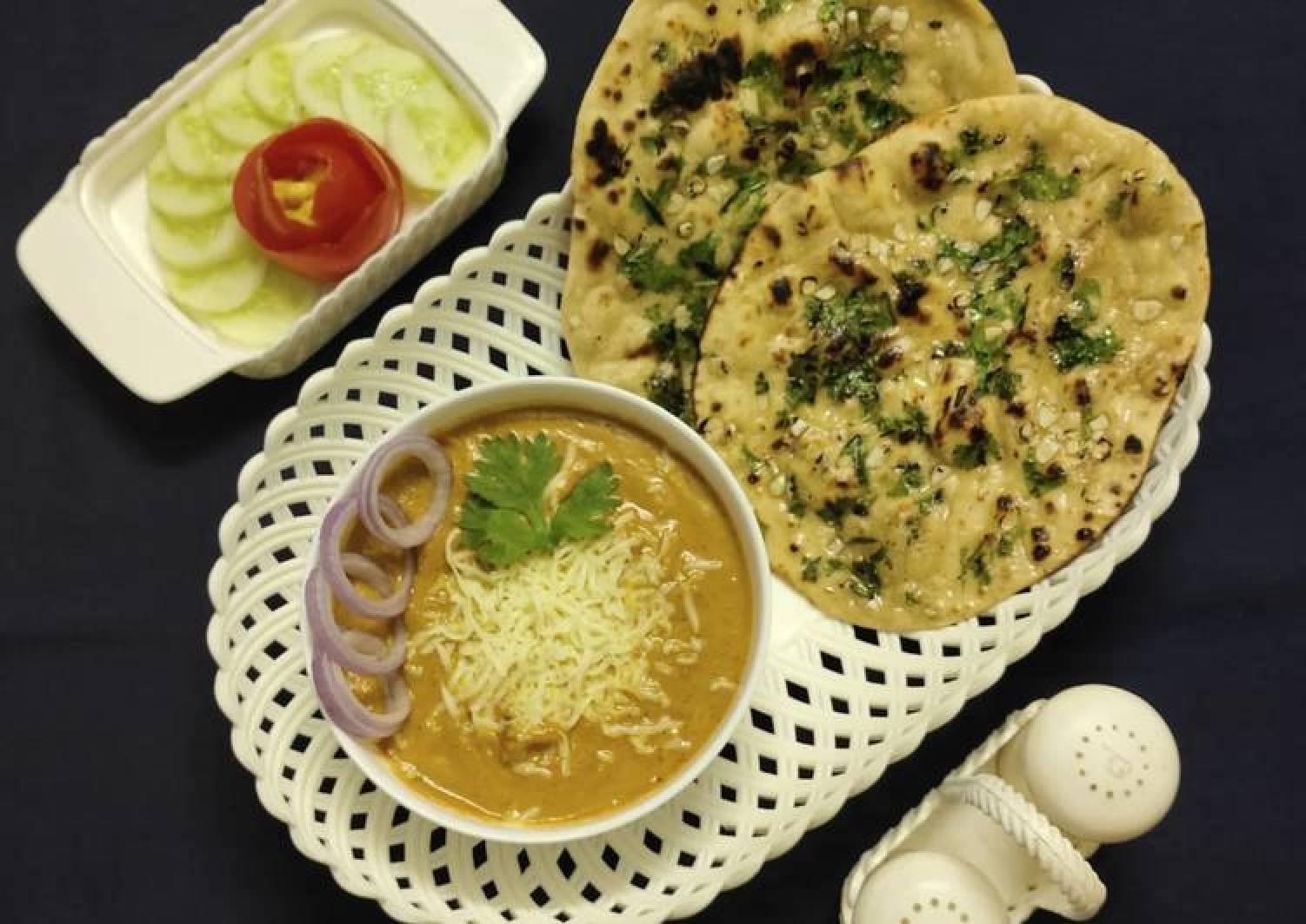 Cheese butter masala and garlic naan