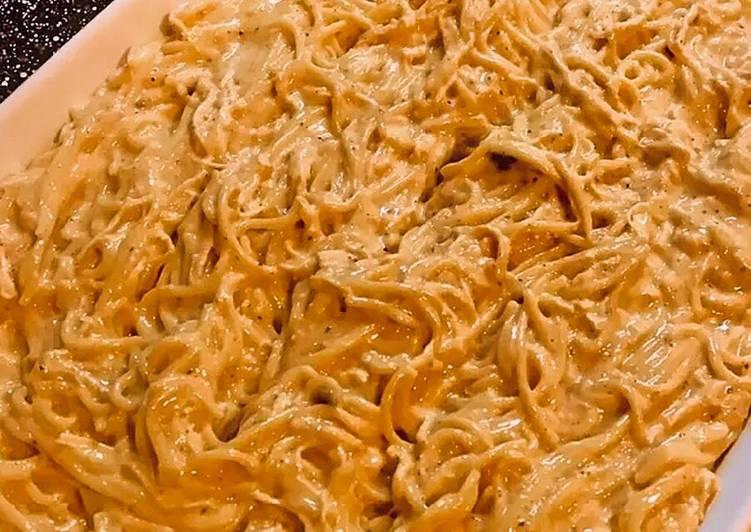 Easy Cheesy Baked Chicken Spaghetti