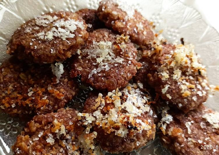Dates & Oats No-Bake Cookies