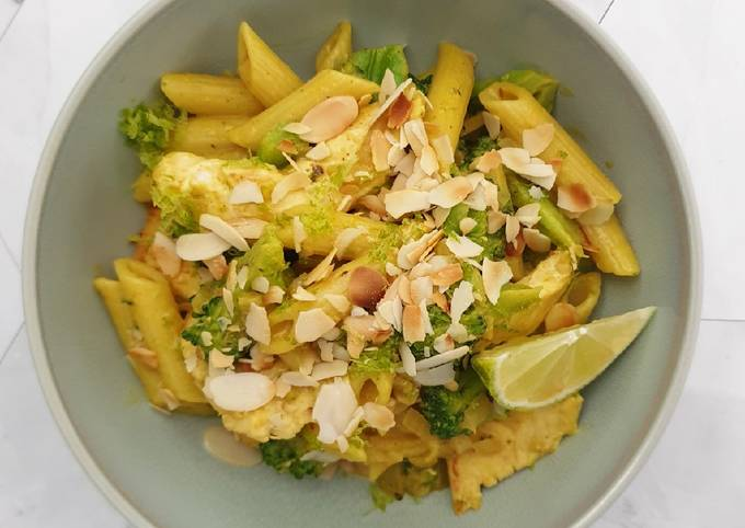 Der einfachste Weg Um Ultimative Schnelle Curry-Hähnchen-Pasta zuzubereiten
