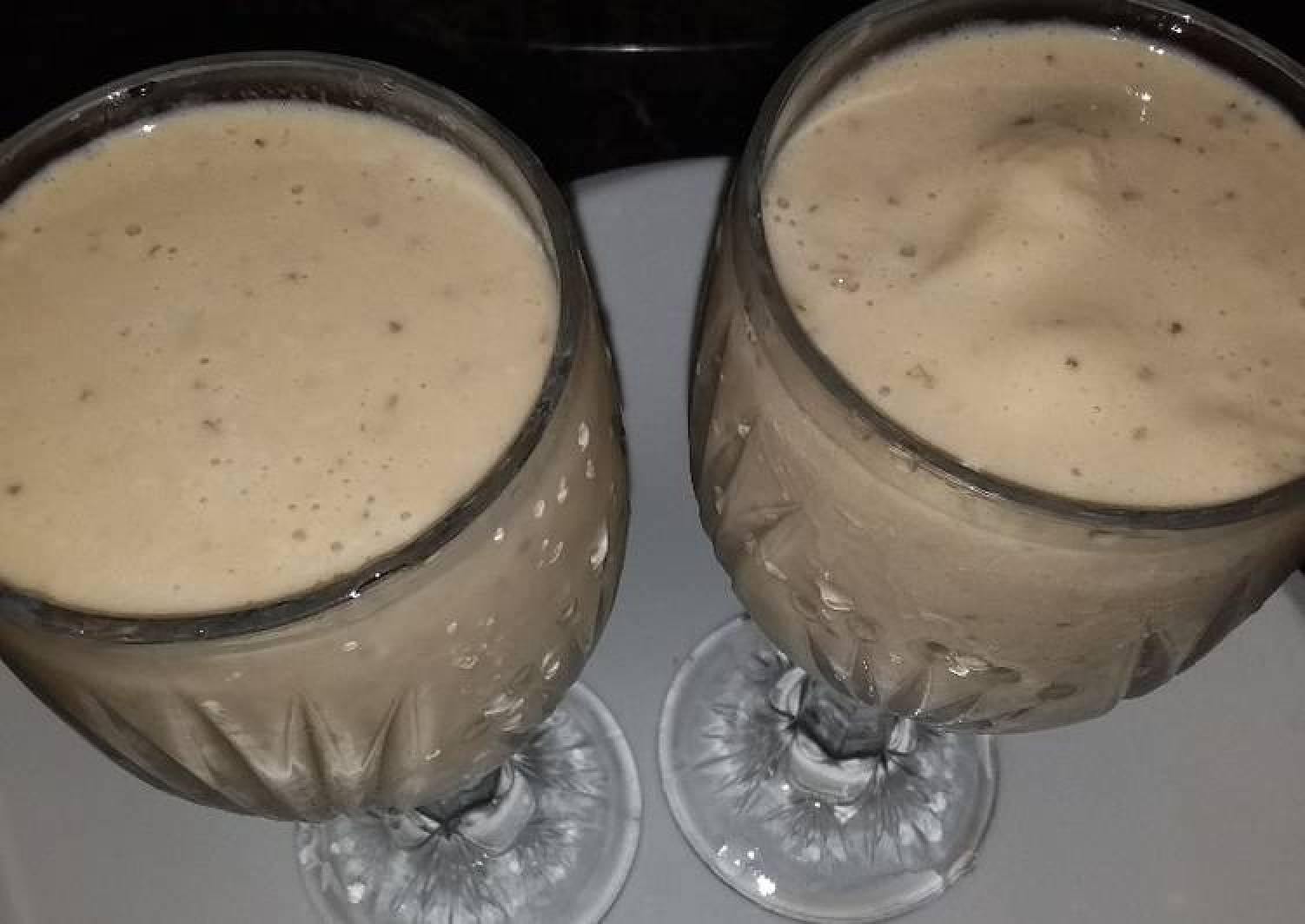 Apple and banana smoothie
