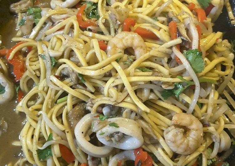 Thai style seafood with noodles