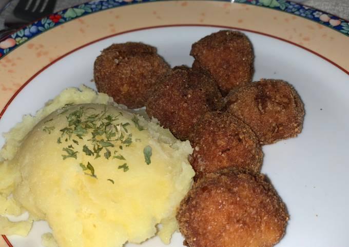 Rezept Um Superschnelle Hausgemachte Ungarische Frikadellen mit Kartoffelpüree zu machen