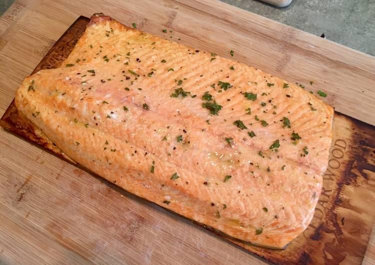 Lemon Pepper Plank Grilled Salmon