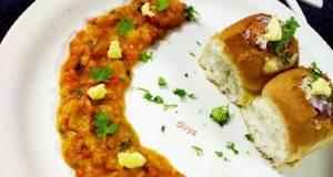 Sabji stuffed baked cheesepav